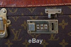 LOUIS VUITTON RARE 1975 s VINTAGE MONOGRAM TRAIN CASE MIRROR COSMETIC CASE SMALL