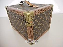 b487cedb40b7 Louis Vuitton Vintage Monogram Boite Flacons Cosmetic Travel Train Case.  Keys