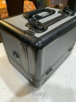 MAC COSMETICS Makeup Metal Train Case Includes Keys