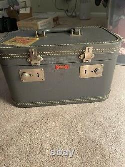 Vintage, Rare Stylecraft, Cosmetics Train Case (1940s)
