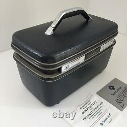 Vintage Samsonite Silhouette Luggage Train Case Makeup Case Navy Blue WITH KEY