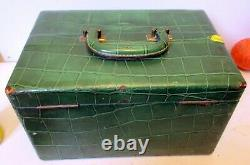 Vtg GLAM VANITY TRAVEL TRAIN CASE Luggage Makeup Cosmetic Faux GREEN CROCODILE